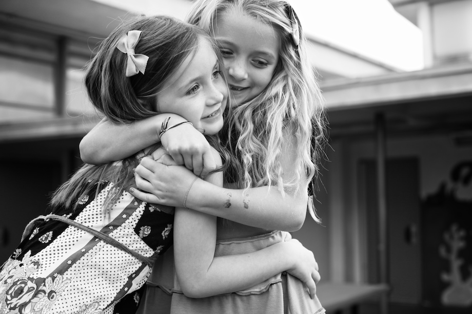 hugging sisters portraits torrance ca emily scott gem photo