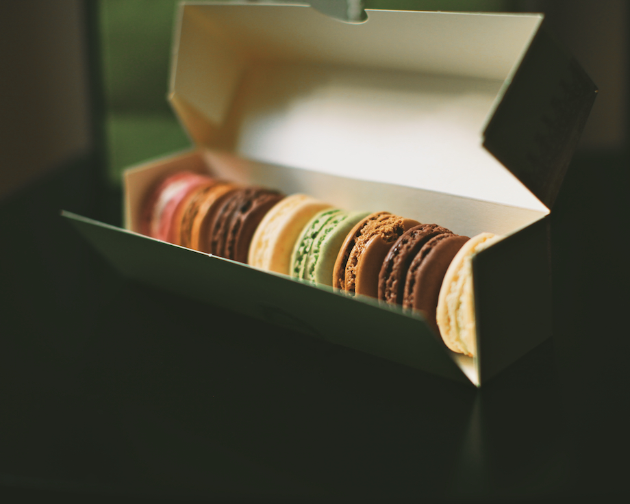 french macaron laduree paris